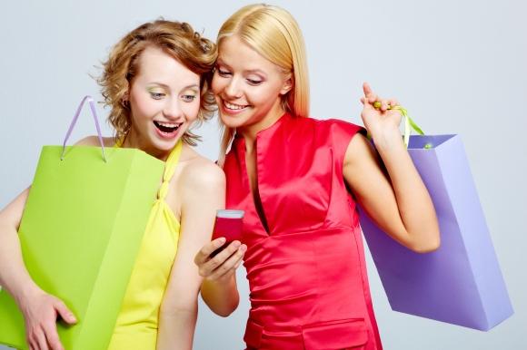 Modern shopper computing on a digital tablet